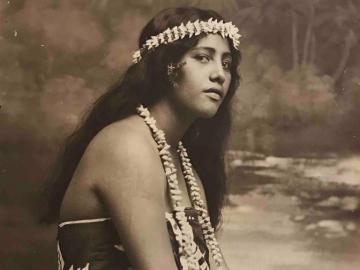 Portrait of a young Tahitian girl