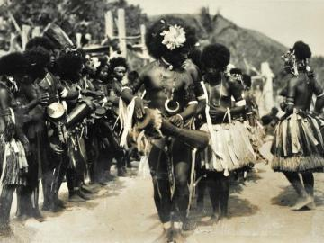 A lot of 31 photographs of Natives of Papua-New Guinea