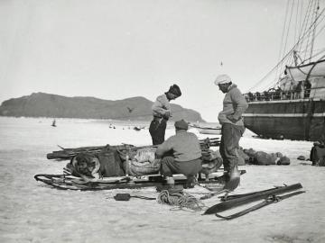 Preparing the sleds near Terra Nova, Cap Evans, jan. 1911