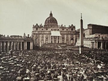 Pope's Benediction, St Peter's Square, Roma