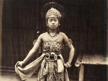 Javanese dancer at Kampong, Exposition Universelle of 1889 , Paris